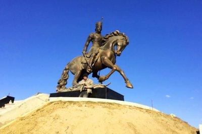 На Ставрополье установили памятник атаману Платову работы ростовского скульптора