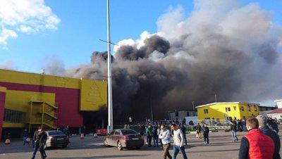 Источник сообщил об опасности обрушения конструкций в ТЦ