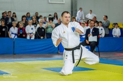 Таганрожец без рук и ног выиграл международный кубок по карате