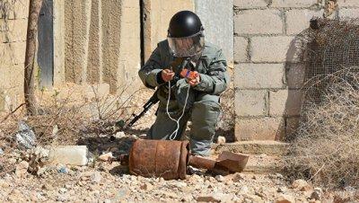 Российские саперы разминировали в Дейр-эз-Зоре 60 зданий за сутки