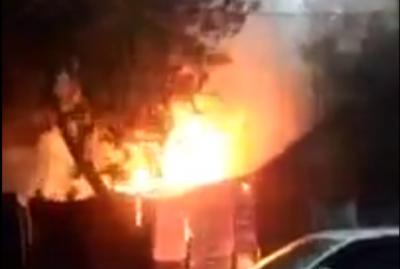 В Советском районе Ростова горел частный дом с пристройкой