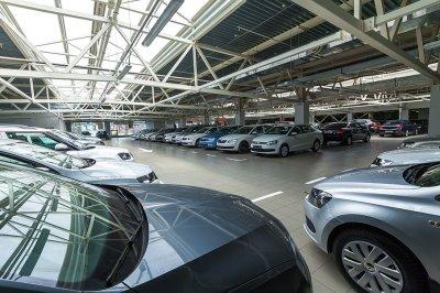 Автосалоны в Ростове свернули программы господдержки