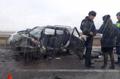 «Летела на огромной скорости»: в Ростове девушка на Opel стала виновницей смертельной аварии