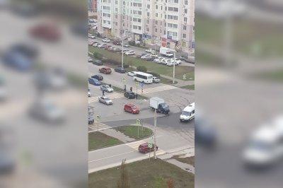 Авария на улице Еременко: одного из водителей увезла скорая