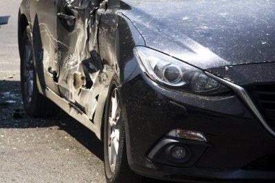 На трассе в Ростовской области столкнулись Volkswagen и «Газель»: погиб водитель легковушки