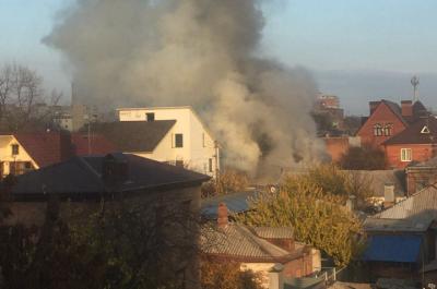 13 ноября, в школе на бульваре Комарова с потолка упала гипсокартоновая плитка. Инцидент произошел в школе №30 во время урока по английскому языку.