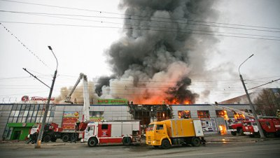 В Оренбурге ликвидировали пожар в торговом центре