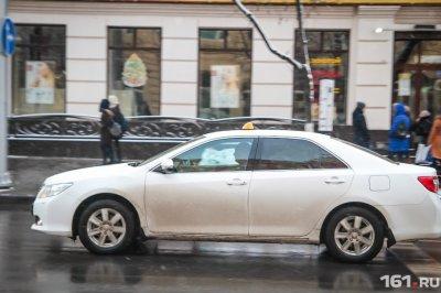 С Нового года в Ростове будут разрешены только белые и желтые такси