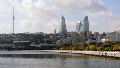 В Баку перевернулся пассажирский автобус, пострадали 12 человек