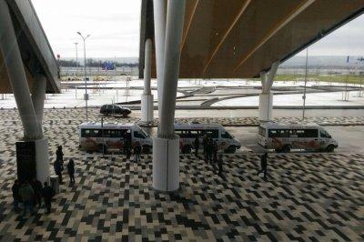 «Шаттлы в Платов — это позор»: в Ростове протестировали транспорт к новому аэропорту