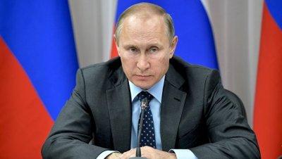 Путин ожидает оперативного принятия закона о повышении МРОТ