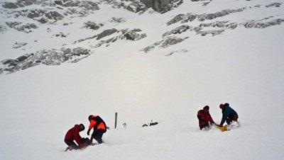 Один человек погиб при сходе лавины в Мурманской области