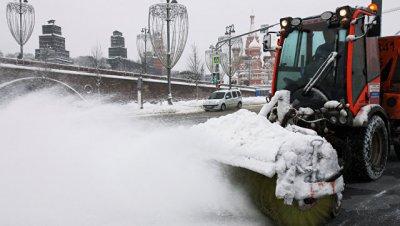 Росавтодор задействовал более 400 единиц техники для борьбы со снегом в ЦФО