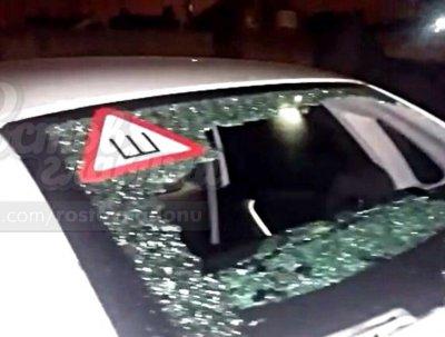 В Ростове двое подростков обстреляли припаркованные во дворе автомобили