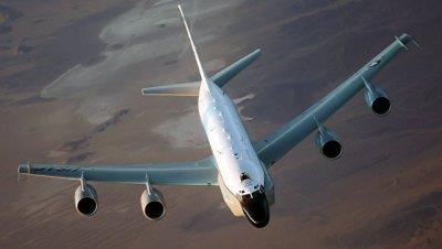Американский самолет-разведчик засекли у российской границы
