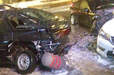 В Ростове на ЦГБ произошла массовая авария с участием шести машин