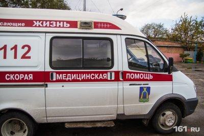 В Ростове иномарка с подростками протаранила дерево: есть пострадавшие