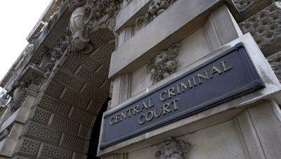 Суд вынес приговор лидеру британской ультраправой организации Britain First