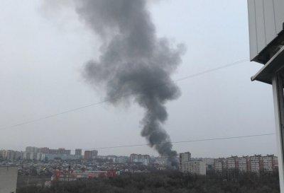 В Ростове в районе рынка «Темерник» вспыхнул пожар