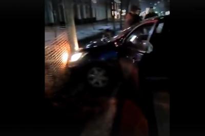 В центре Ростова столкнулись две иномарки, трое человек пострадали