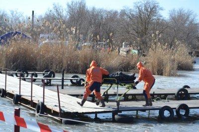 В Волгодонске два человека провалились под лед и утонули во время рыбалки