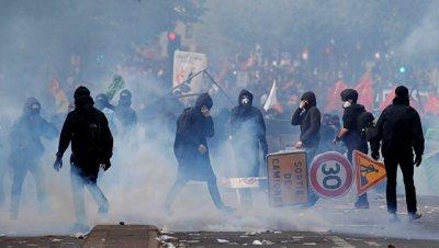 Во Франции в демонстрациях приняли участие более 210 тысяч человек