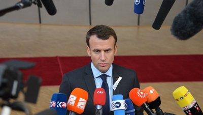 Макрон осудил беспорядки на первомайской демонстрации в Париже