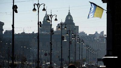 Задержанный националистами в Киеве бразилец общается с сотрудниками СБУ