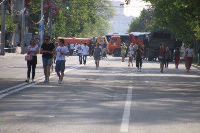 Центр Ростова сковали пробки из-за празднования столетия ЮВО