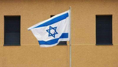 Солисты оперы спели в поездах Израиля советские песни в честь Дня Победы