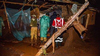 Число погибших в результате прорыва дамбы в Кении возросло до 48