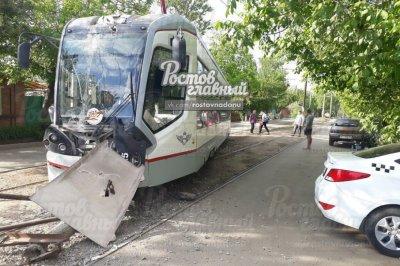 Трамвай сошел с рельсов в Ростове