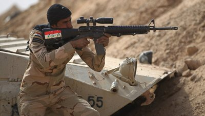 Иракские силовики уничтожили трех террористов ИГ* к югу от Мосула