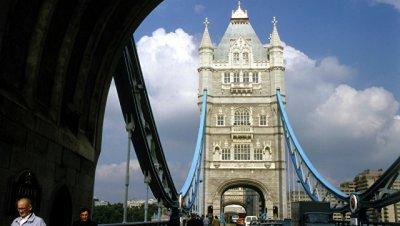 В Лондоне почтили память погибших в терактах год назад