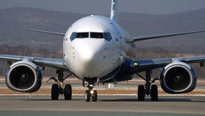 В аэропорту Казахстана самолет при посадке выкатился за пределы полосы