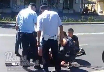 В Ростове велосипедист попал в больницу после столкновения с машиной ДПС
