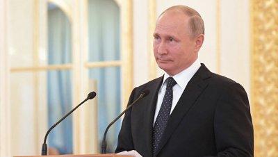 Россия заинтересована в демократическом пути развития, заявил Путин