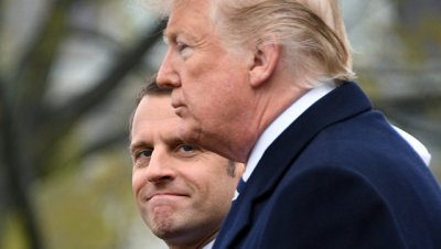 Трамп и Макрон пообщались после переноса встречи