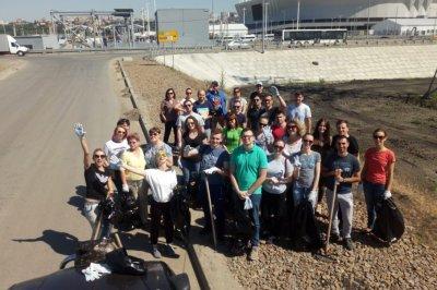 300 человек и 50 тонн мусора: в Ростове прошел последний субботник перед чемпионатом мира