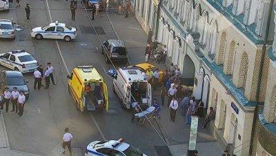 Водитель такси заявил, что наехал на пешеходов в Москве не специально