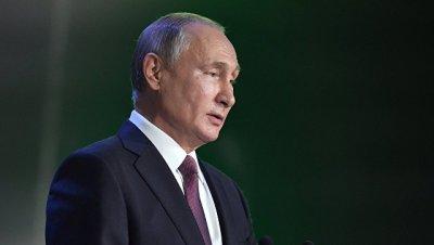 ПО связи должно основываться на отечественных технологиях, заявил Путин