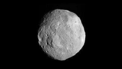 Эксперт не видит опасности в летящем к Земле астероиде