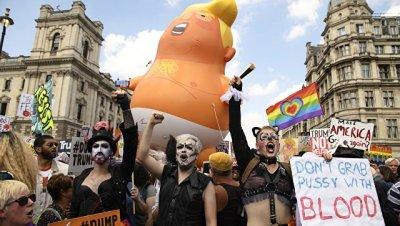Активисты собрали деньги, чтобы привезти в США воздушный шар в виде Трампа