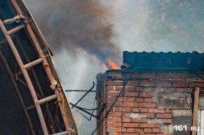 На Дону крупный пожар в двухэтажке оставил без крыши над головой 25 человек