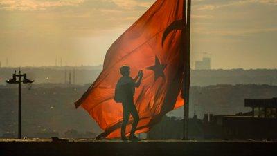 Экипажу арестованного в Стамбуле сухогруза задерживают зарплату с июня