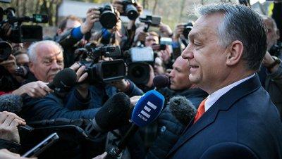 Орбан заявил в ЕП, что не позволит
