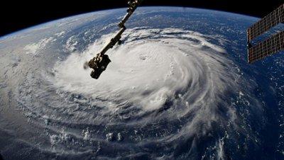 НАТО скорректировала программу мероприятий из-за урагана