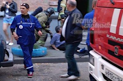 В Ростове из огня спасли пожилую женщину