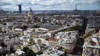 Правительство Франции заявило, что не будет менять свой курс