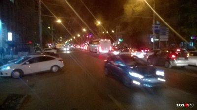 Из-за обрыва проводов в центре Ростова образовалась серьезная пробка
